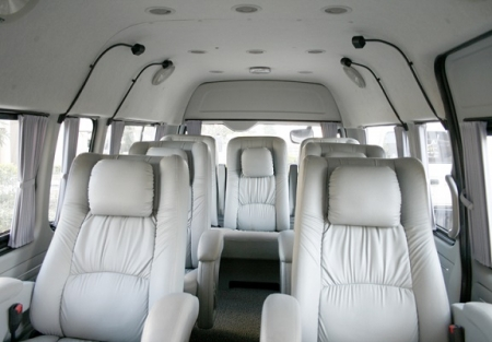 9 Seater Toyota Hiace Minivan Booking Delhi India Luxury