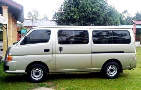 8 seater passenger nissan minivan booking delhi india. Black Bedroom Furniture Sets. Home Design Ideas
