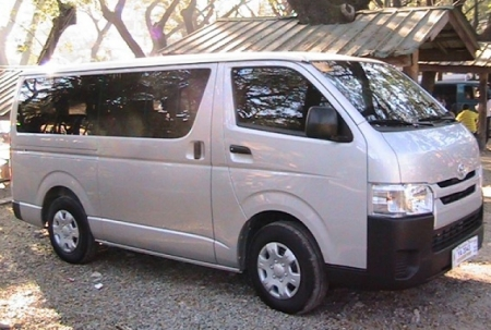 8 Seater Passenger Nissan Minivan Booking Delhi India Luxury Nissan